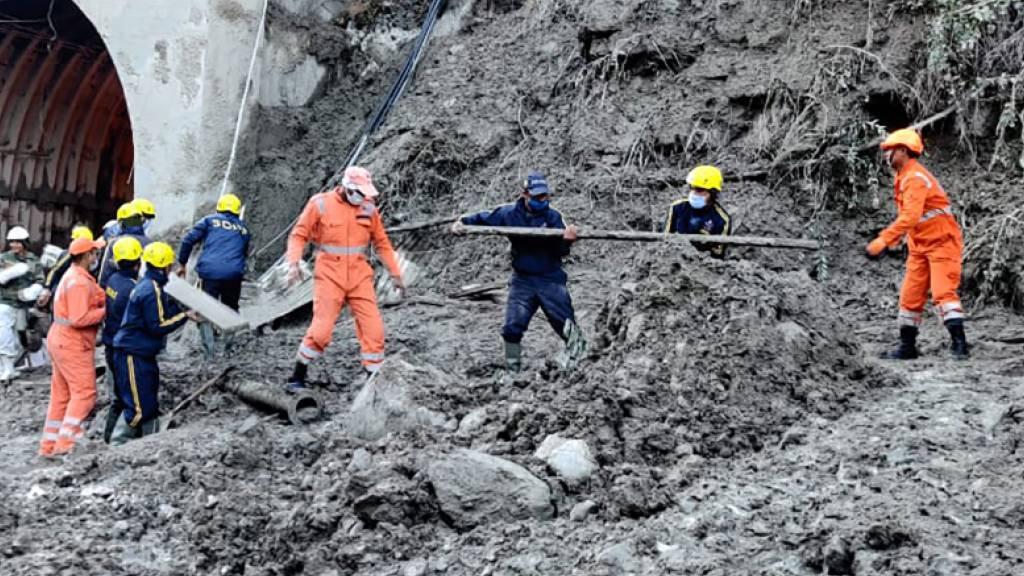 Sturzflut in Indien: Mindestens 15 Tote und mehr als 160 Verletzte