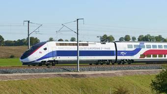 Der TGV-Est auf der 106 Kilometer langen Neubaustrecke von Strassburg nach Lothringen, hier zwischen Metz und Nancy, bei der ersten Probefahrt.