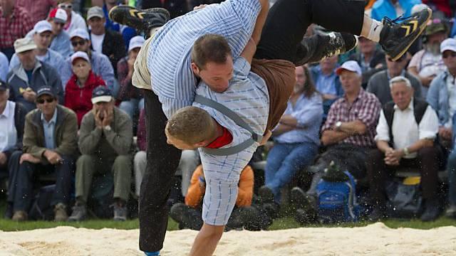 Andreas Ulrich (unten) und Adi Laimbacher gewinnen auf der Rigi