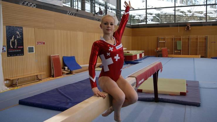 28 Stunden pro Woche trainiert Anja Schwarz in der Jubiläumshalle in Magglingen, daneben geht sie noch zur Schule.
