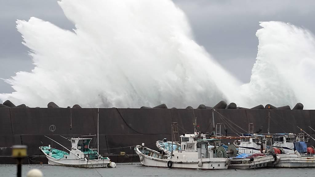 Tokio im Auge eines starken Taifuns - Höchste Warnstufe