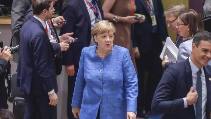 An einem Sondergipfel am 30. Juni wollen sich die EU-Chefs auf neuen EU-Kommissionspräsidenten einigen. Das haben sie in der Nacht vom Donnerstag auf Freitag in Brüssel beschlossen.
