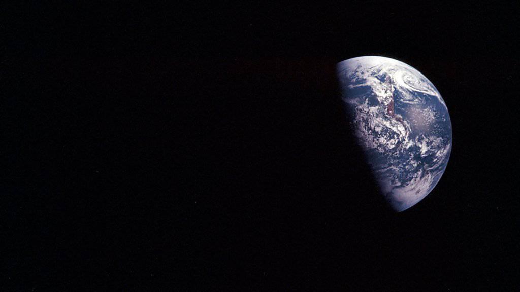 Der Asteroid rauschte gegen 23.30 Uhr Schweizer Zeit an der Erde vorbei.