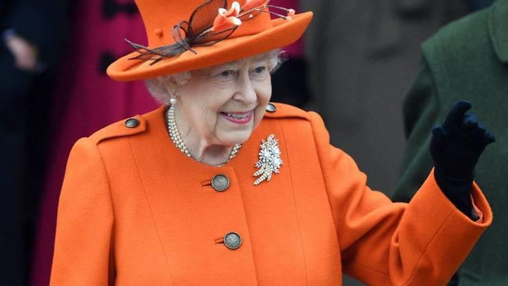 Aus Anlass ihres 65. Thronjubiläums gibt Queen Elizabeth II der BBC eines ihrer raren Interviews. (Archivbild 25.12.17)