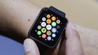 Apple hat im vergangenen Quartal noch rund 1.1 Millionen Uhren verkauft – im Jahresvergleich ist das ein Einbruch von rund 70 Prozent. (Archivbild)
