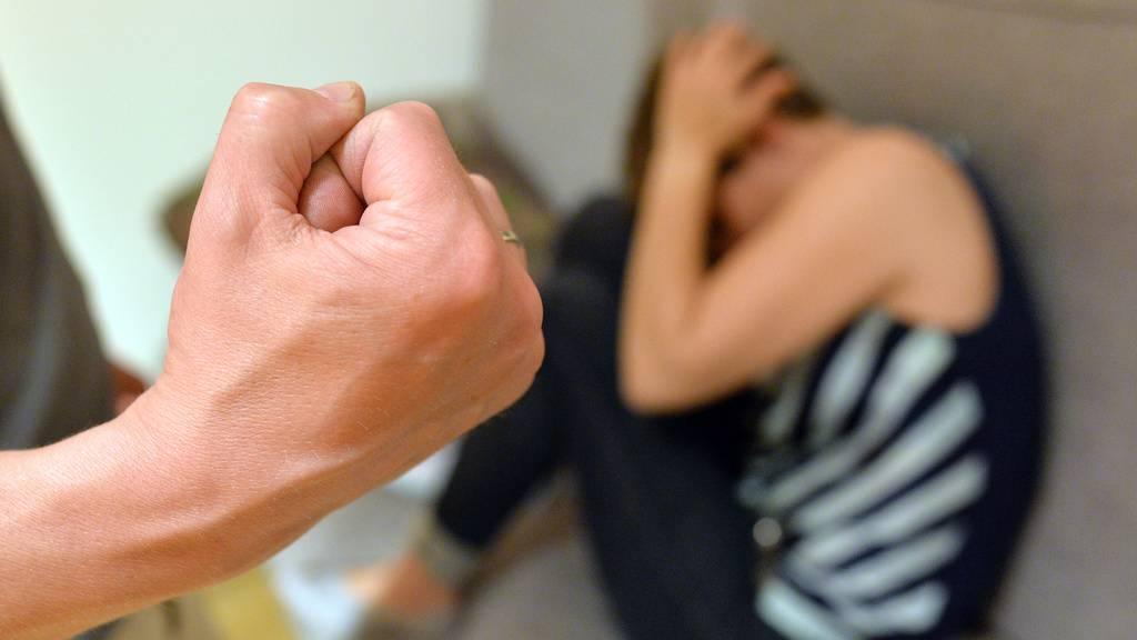 Häusliche Gewalt: Schutzorganisationen stark ausgelastet