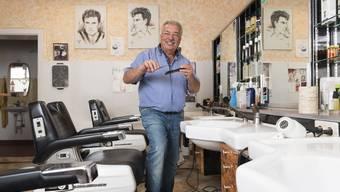 Antonio Suppa (70) in seinem Salon an der Haselstrasse.