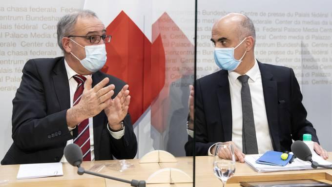 «Die Liste der Fehlleistungen des Bundesamtes für Gesundheit (BAG) im Departement von SP-Bundesrat Alain Berset ist lang», schreibt Marco Chiesa.