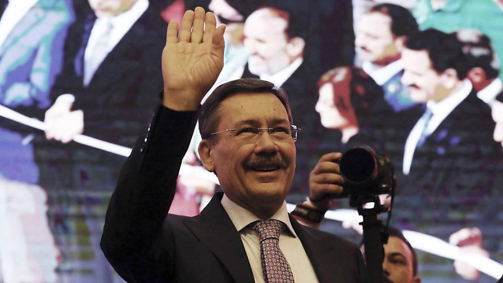 «Ich beuge mich der Anordnung»: Ankaras Bürgermeister Melih Gokcek tritt nach 23 Amtsjahren zurück.