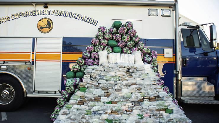 Die US-Drogenfahnder haben eine Rekordmenge an Methamphetaminen beschlagnahmt.