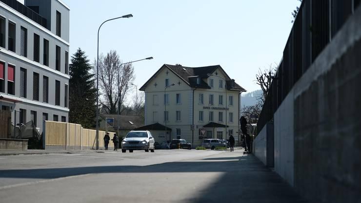 Die Fahrweidstrasse soll auf Weininger Gebiet zur 30er-Zone werden, auf Geroldswiler Boden allerdings 50er-Zone bleiben.