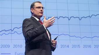 Ob es richtig war, nicht mit einer Erhöhung des Negativzinses etwas gegen die Frankenaufwertung zu tun, das wird sich zeigen. Im Bild: SNB-Direktor Thomas Jordan.