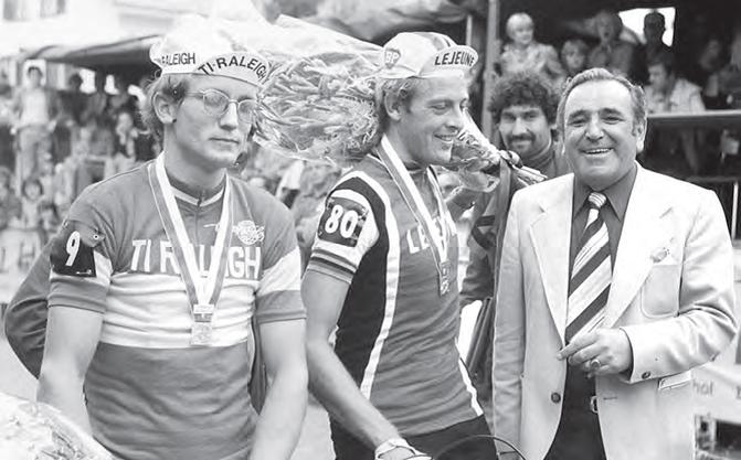Der Gesichtsausdruck sagt alles. 1976: Links der enttäuschte Zweite Jan Raas,daneben  der strahlende Sieger Roy Schuiten, zusammen mit Joseph Voegeli.
