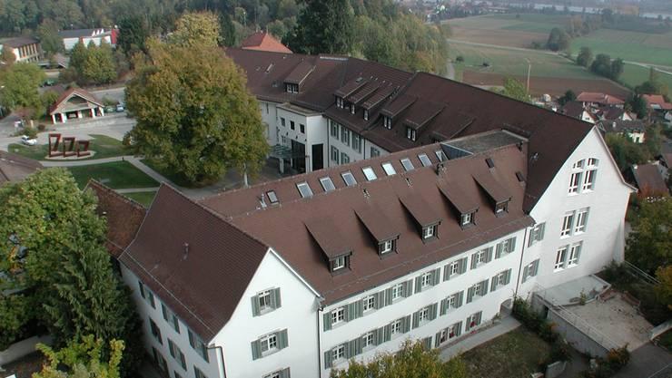 Das Regionalspital Leuggern, das wie das Regionalspital Menziken zur Asana-Gruppe gehört. (Archiv)