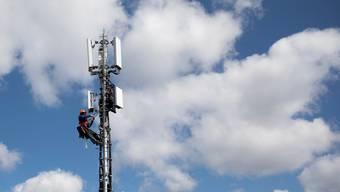 In der Schweiz stehen mittlerweile fast 2'500 5G-Antennen. (Archivbild)