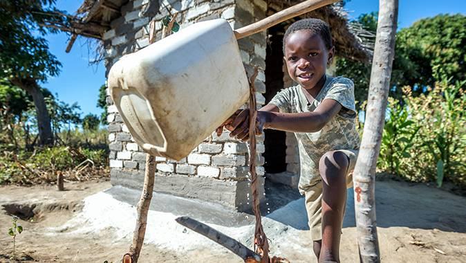 """Das """"Tippy Tap"""" sorgt für fliessendes Wasser zum Händewaschen."""