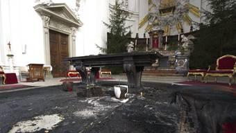 Beim Brandanschlag vom Januar 2011 entstand in der St.-Ursen-Kathedrale grosser Sachschaden. (Archivbild)