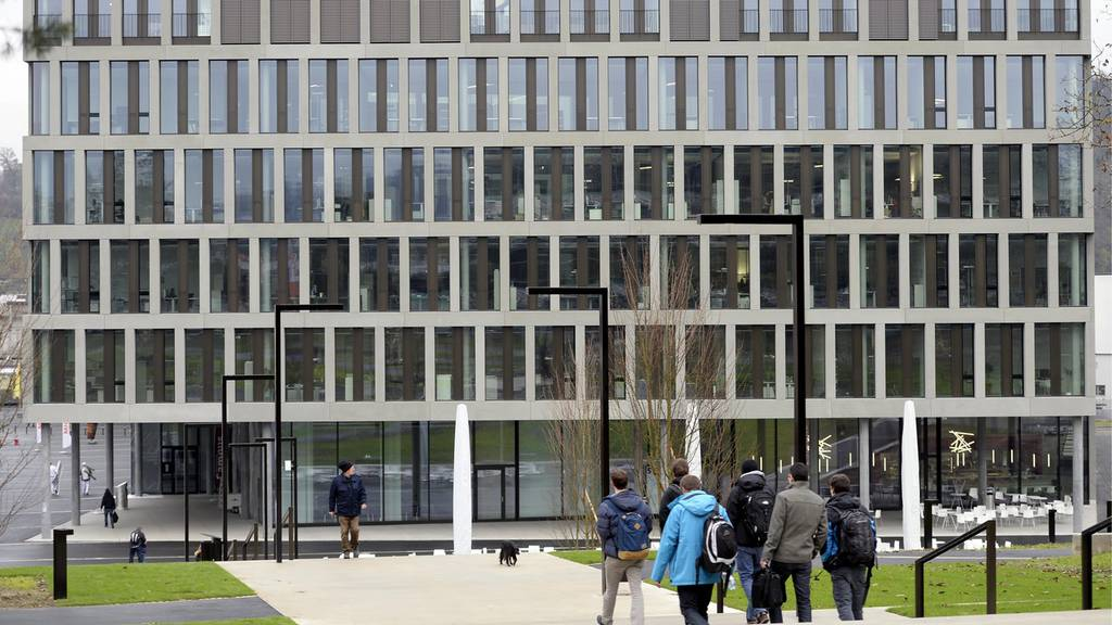 Studierende reichen Petition gegen Zertifikatspflicht ein