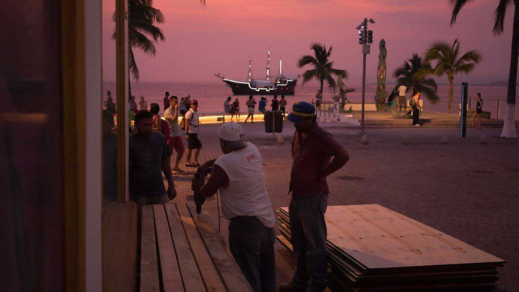 Horror im Ferienparadies: Im mexikanischen Badeort Puerto Vallarta entführen Bewaffnete zehn Menschen aus einem Restaurant. (Archivbild)