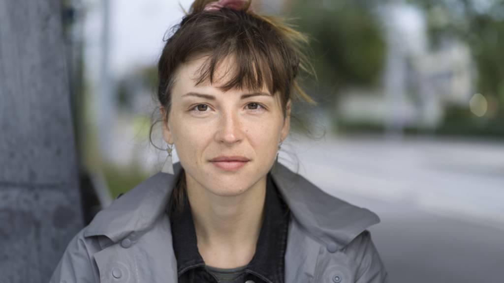 Dorothee Elmiger ist eine Autorin, die es ihren Leserinnen und Lesern nicht leicht macht. Das gilt auch für ihren jüngsten Text «Aus der Zuckerfabrik», mit dem sie für den Schweizer Buchpreis nominiert ist.