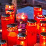 Kerzen, Herzen, Briefe: Auch zwei Wochen nach der Tat kann in Rupperswil niemand fassen, warum die vier Gemeindemitglieder sterben mussten.
