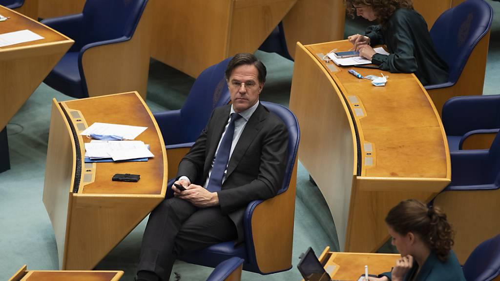 Premier Rutte übersteht Vertrauensabstimmung