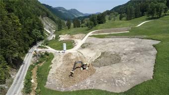 Das Brücklein über den Guldentalbach weist den Weg: Im Mittleren Guldentalbach zweigt die Scheltenstrasse künftig ab. Bruno Kissling