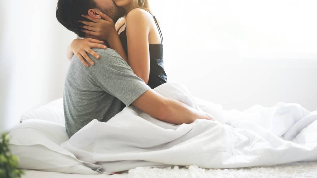 Paare haben während Corona häufiger Sex