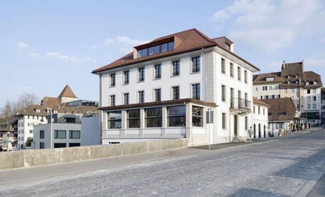 Ende März 2016 öffnete das Aarauer Vierstern-Stadthotel Kettenbrücke seine Tore im neuen Glanz. Nun hat es 13 Punkte erhalten und gehört neu zu den Aargauer Gault-Millau-Restaurants.