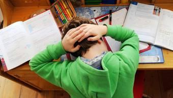 Jeder Siebte leidet unter Migräne - auch Kinder. Am Welt-Gehirn-Tag vom 22. Juli soll diese Krankheit in den Fokus gerückt werden. (Symbolbild)