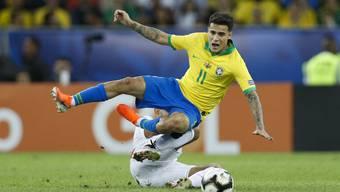 Nur 1,72 Meter gross, am Ball aber ein Virtuose: Philippe Coutinho. Im Bild während einer Trainingssession mit Brasiliens Nationalteam (Bild: key).