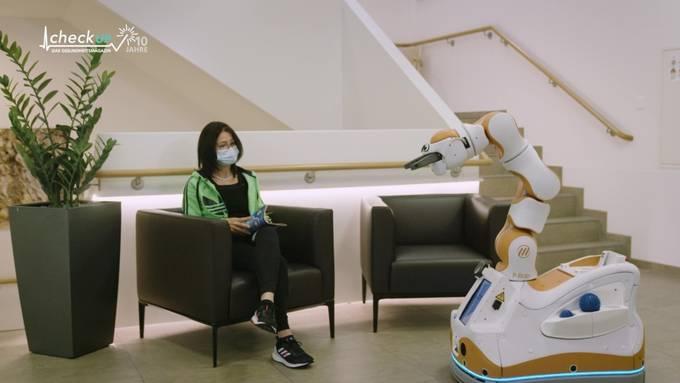 Lio: Der Pflege- und Unterhaltungsroboter