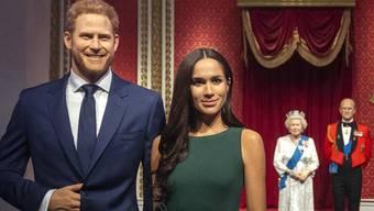 Das Londoner Wachsfigurenkabinett hat die Figuren von Harry und Meghan aus der royalen Ecke entfernt und diese gesondert positioniert.