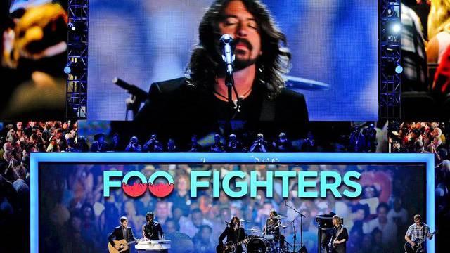Mein Leben, meine Familie, meine Welt: Frontmann Dave Grohl (auf der Leinwand) über die Foo Fighters (Archiv)