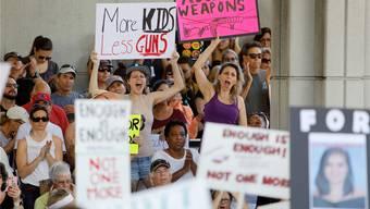 Nach dem Massaker in Florida demonstrieren die Bürger für schärfere Waffengesetze – und werden damit abblitzen.Jonathan Drake /Reuters