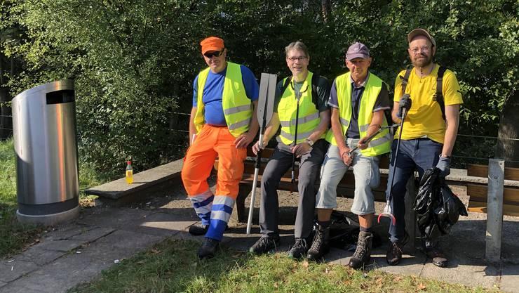 v.l.n.r: Nenad Rebic vom Werkhof Wettingen, André Schär und Bruno Hunziker glp Wettingen, sowie Dominic der Clean-Up auch in seiner Freizeit betreibt. Foto T. Fluck / A. Schär.