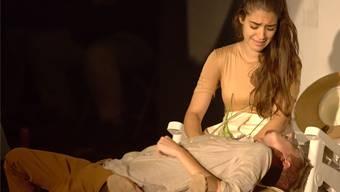Yüksel Lee Esen als Julia am Shakespeare-in-the-Courtyard-Abend.
