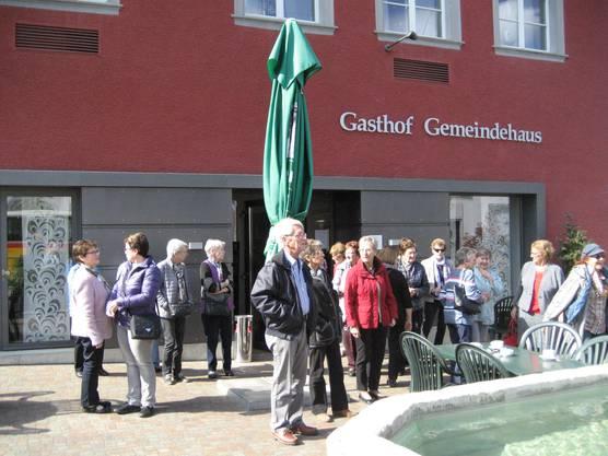 Kaffeehalt im Gasthof Gemeindehaus, Wilchingen.
