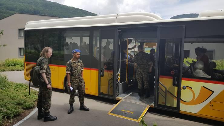 Mit dem Extrabus führten die Spitalsoldaten die Bewohnenden auf eine «Fahrt ins Blaue».