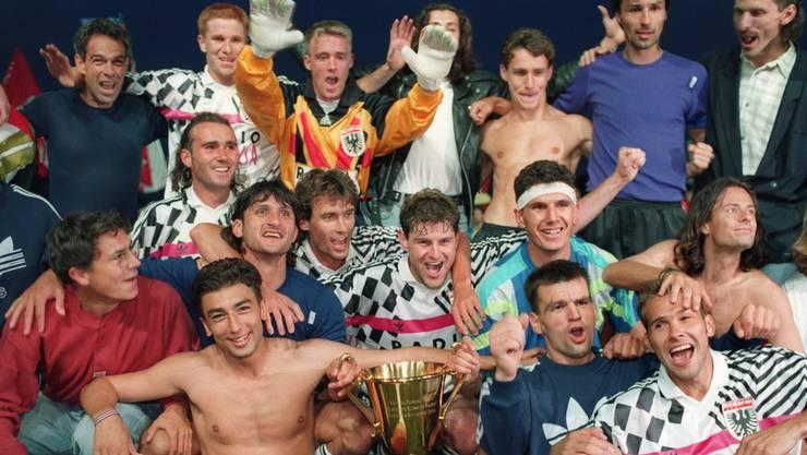 Die Aarauer feiern ihren Meistertitel im Jahr 1993.