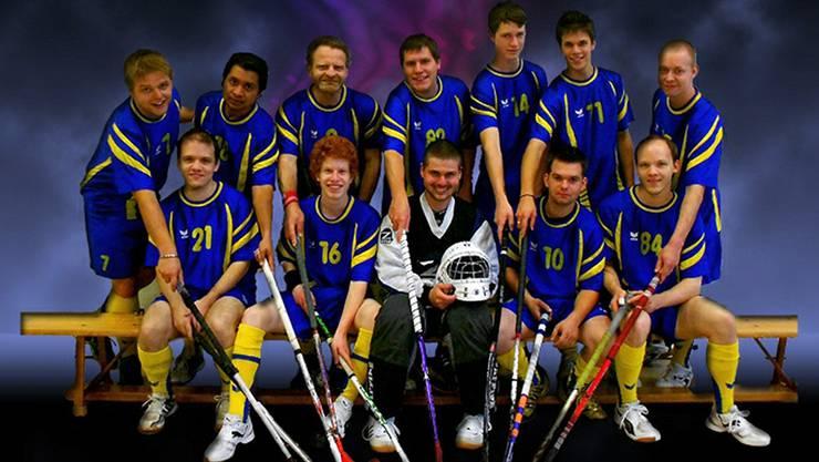 Der UHC Grenchen-Aegerten mit Spielertrainer Andreas Pfister (3. v.l. hinten) zählt momentan rund 30 Mitglieder.
