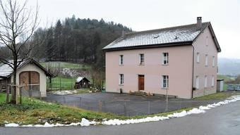 Am Fassadenbild des alten Schulhauses im Refental soll laut dem Baugesuch nichts verändert werden.