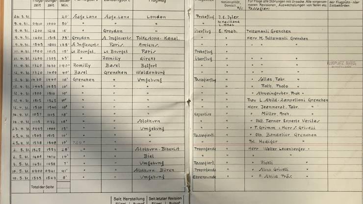 Bordbuch des ersten Grenchner Flugzeugs mit dem Eintrag des Passagiernamens.