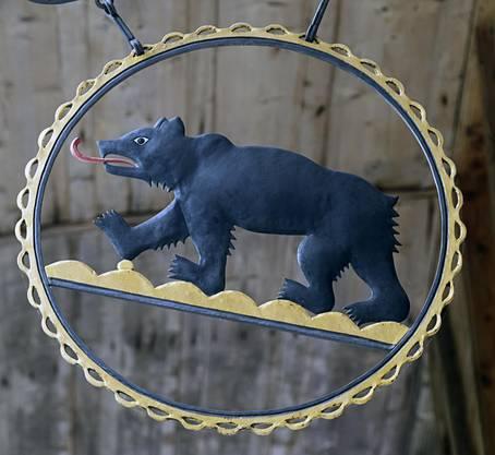 Berner Bär im Entlebuch, am Restaurant Kemmeriboden-Bad