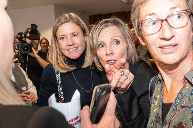 Die Grünen mit Maya Graf (r.) und Florence Brenzikofer kennen derzeit nur eine Richtung: vorwärts.  Bild: Nicole Nars-Zimmer
