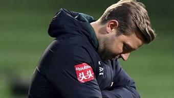Bremens Trainer Florian Kohfeldt schaut betrübt