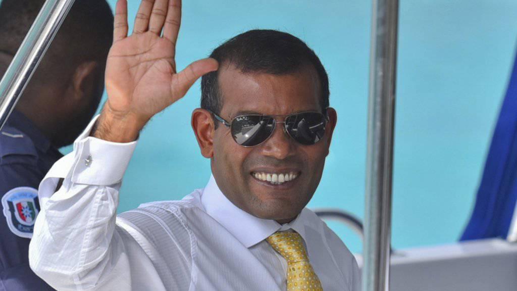 Ab zur Rückenoperation: Ex-Präsident der Malediven, Mohamed Nasheed, hat das Land verlassen. (Archiv)