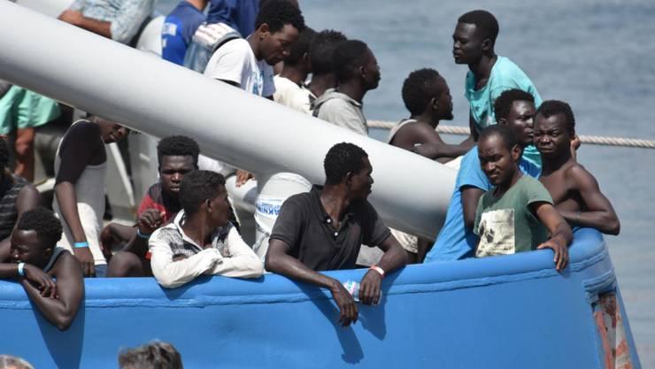 Illegale Einwanderung in EU steuert im laufenden Jahr auf ein Fünf-Jahres-Tief zu. Bis Oktober wurden rund ein Drittel weniger illegale Grenzübertritte registriert. (Archiv)