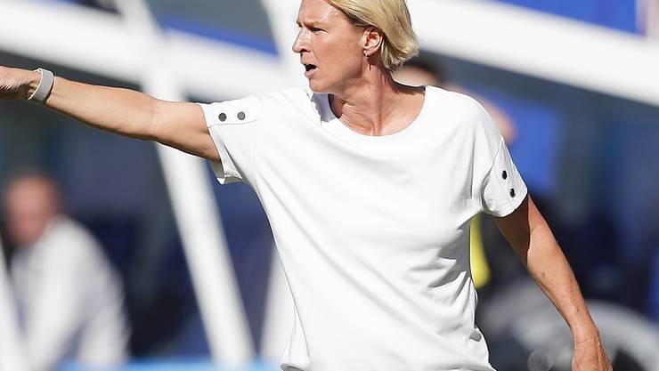 Nationaltrainerin Martina Voss-Tecklenburg führt Deutschland gegen Nigeria in den WM-Viertelfinal