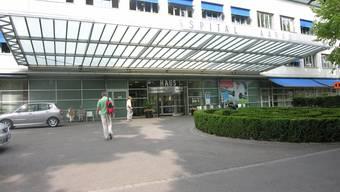Im Spitalwesen wird mittelfristig eine Milliarde investiert. Im Bild das Kantonsspital Aarau. (Archiv)